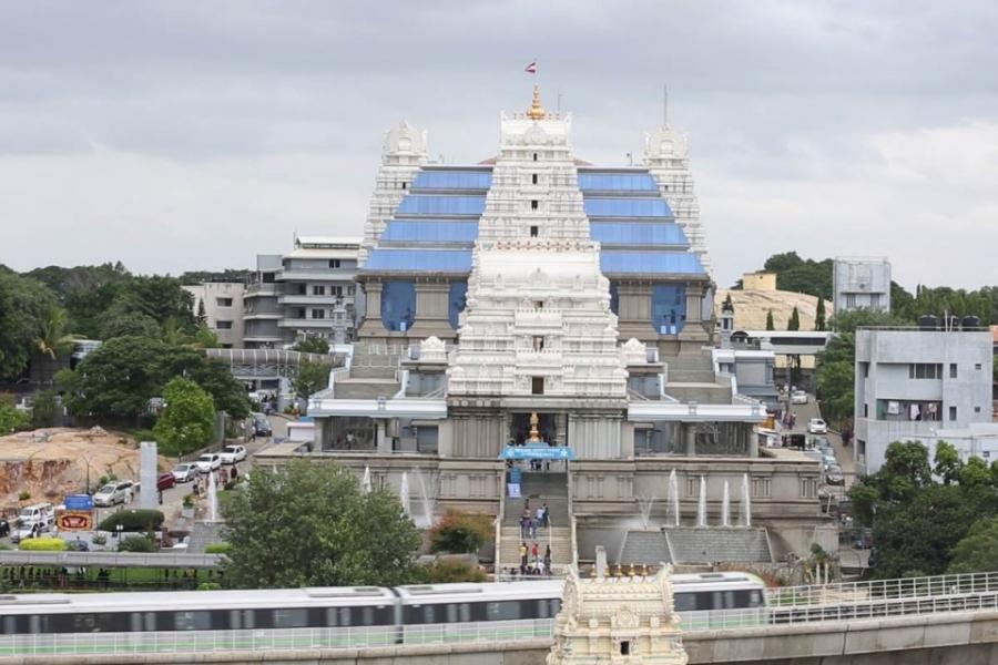 ಇಸ್ಕಾನ್ ಬೆಂಗಳೂರು ದೇವಾಲಯ ನೋಟ